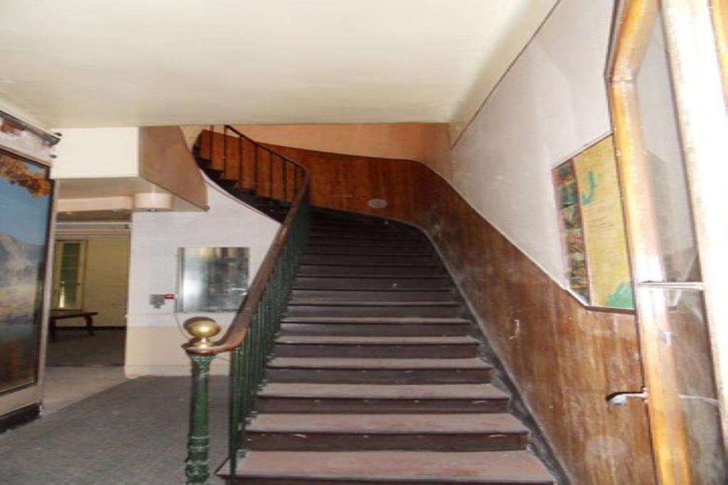 escalier vers 2 et 3 ème étage